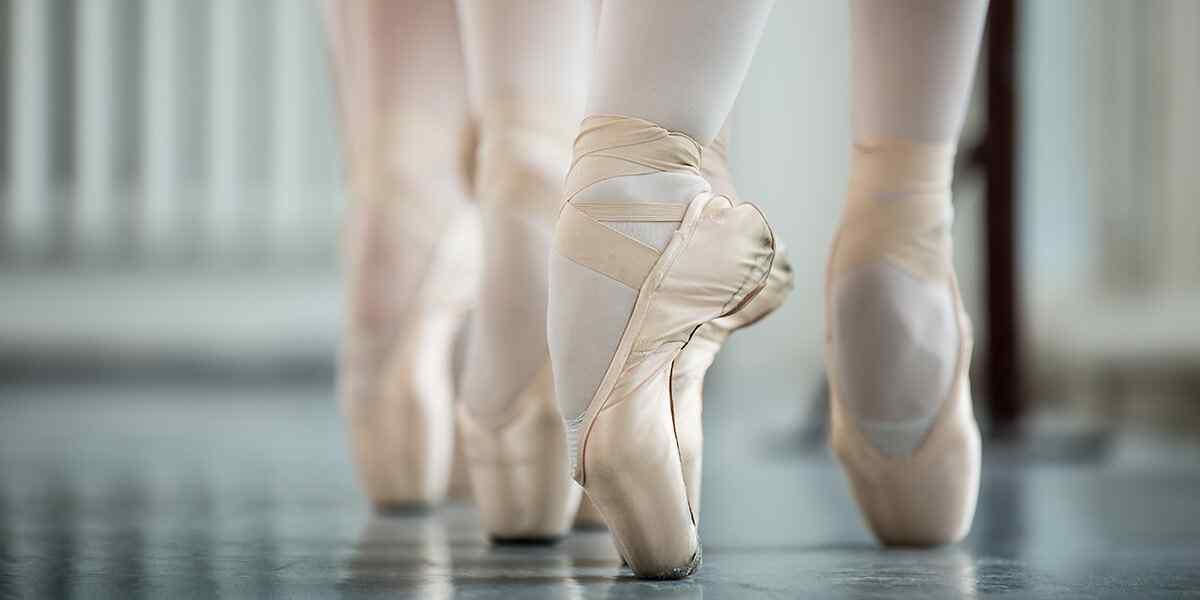 https://artemia-danse.com/wp-content/uploads/2019/04/inner_dance_08.jpg