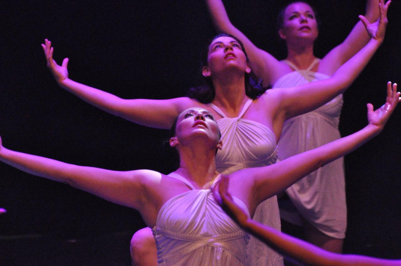 https://artemia-danse.com/wp-content/uploads/2020/12/photos-site-internet-4-1280x850.jpg